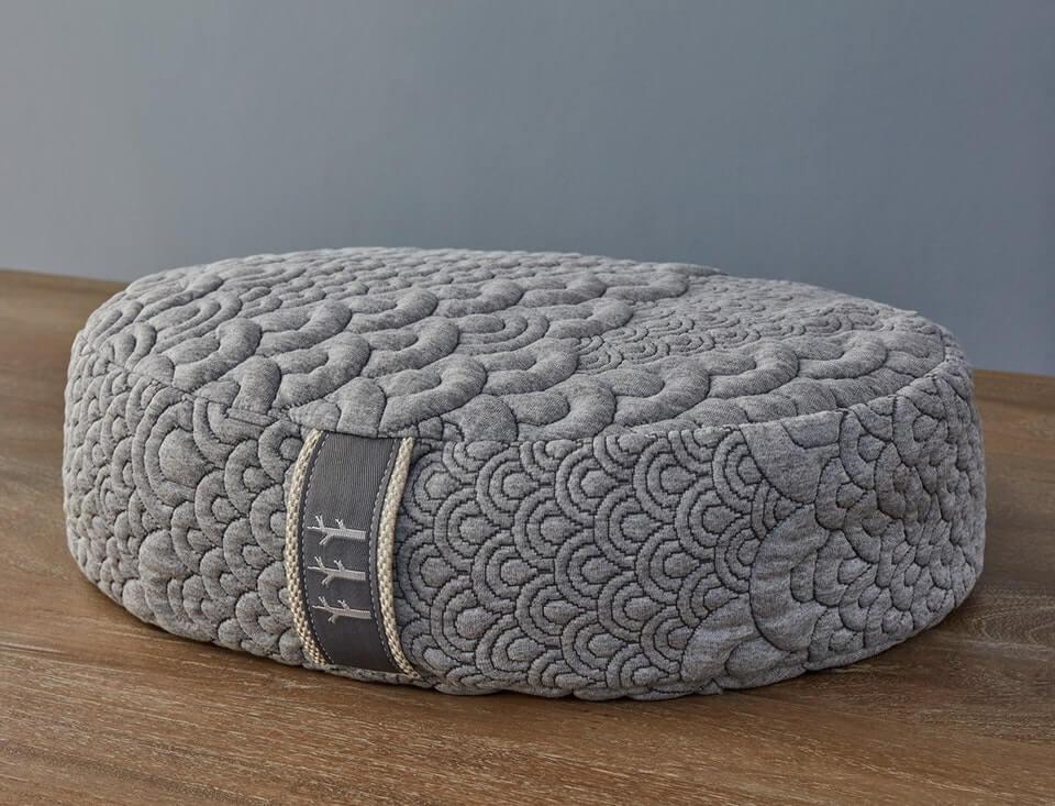 An Elegant and Soft Pillow