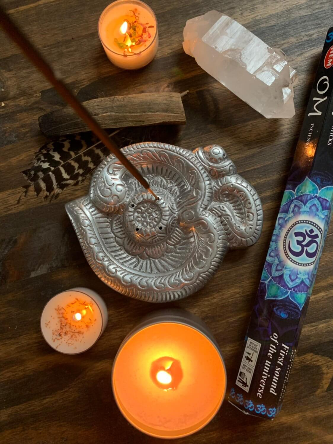 Intricate Incense Holder with Focus Materials