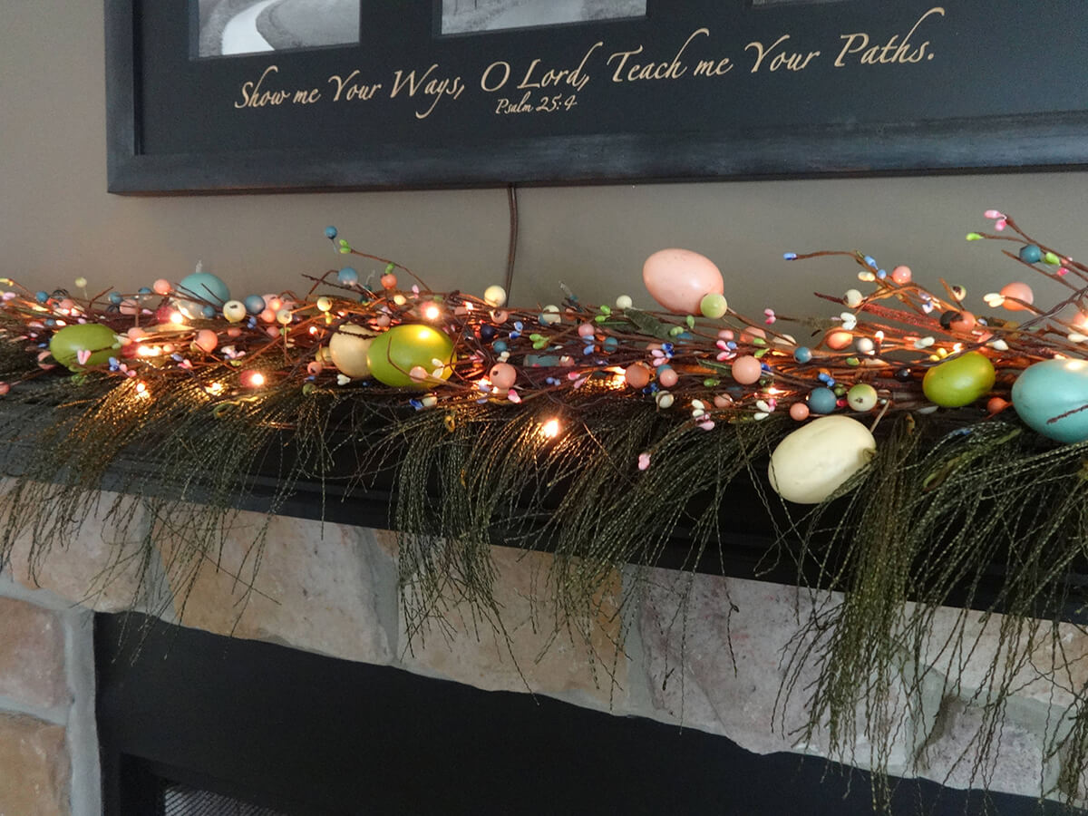 Lighted Pastel Egg and Berries Garland
