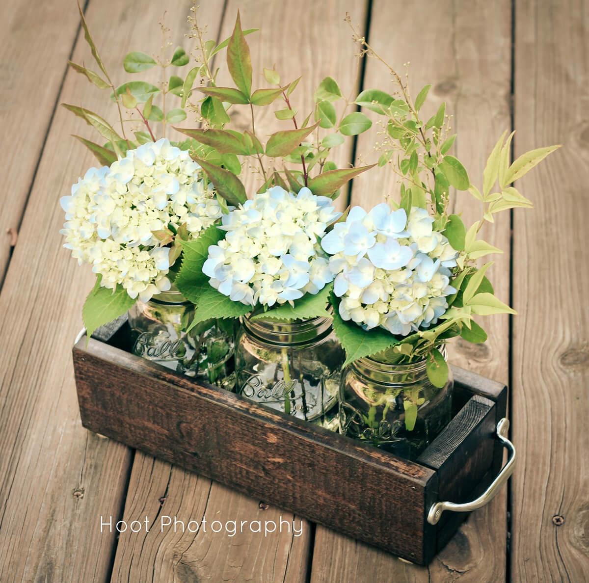 DIY Portable Flowerbox Centerpiece
