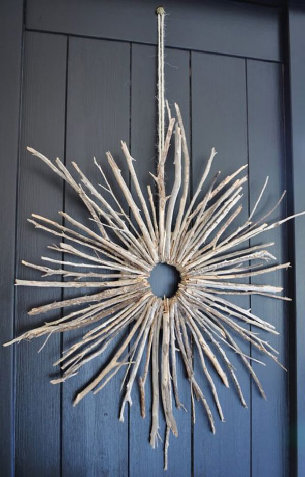 Starburst Twig Wreath for Front Porch Appeal