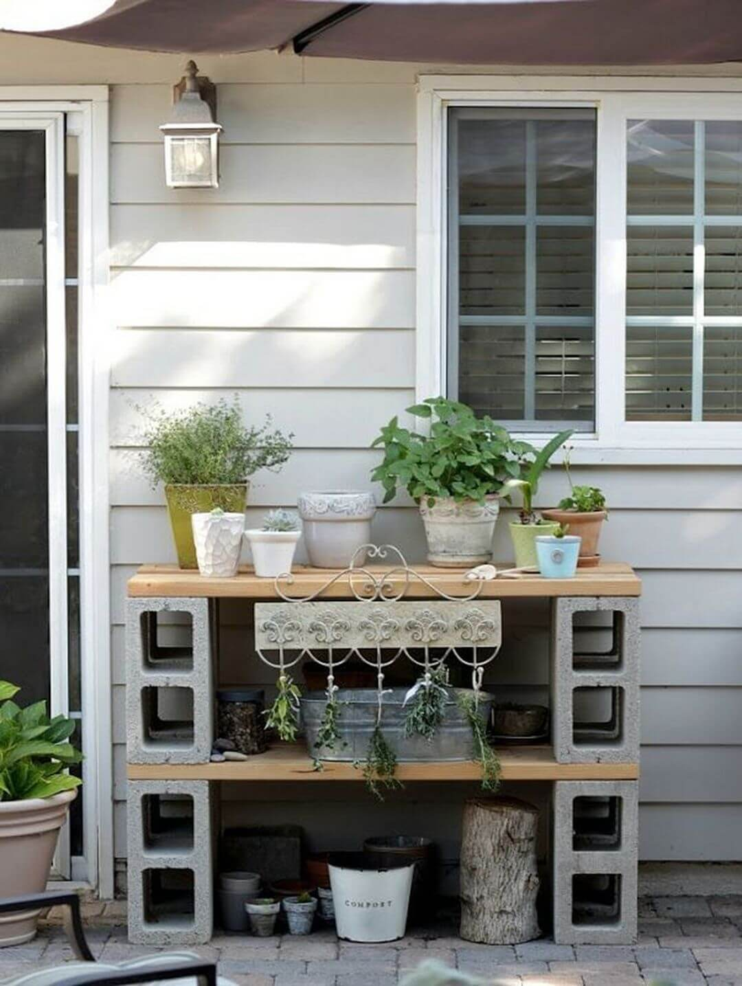 Cinder Block Potting Table That's Simple and Practical
