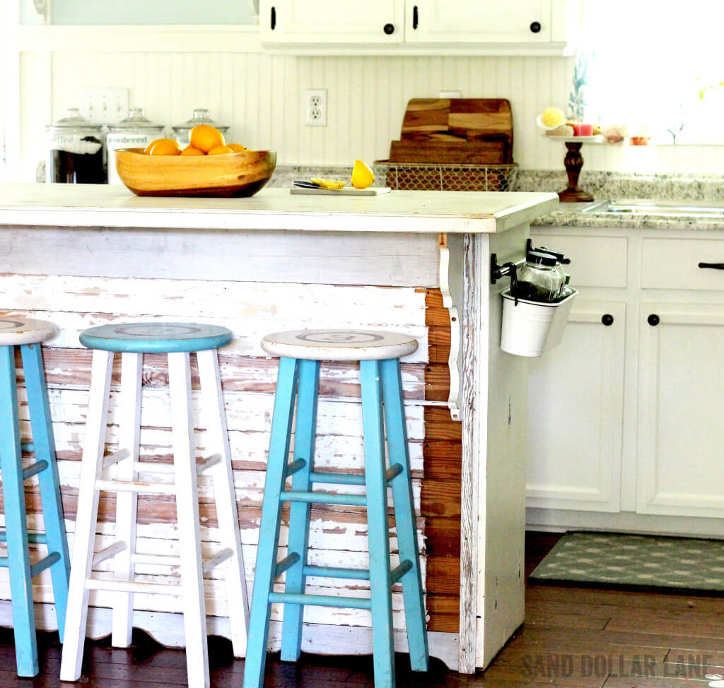 Mixing Farmhouse and Coastal in Your Kitchen