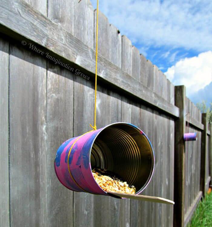 Inviting Hanging Bird/Animal Feeder