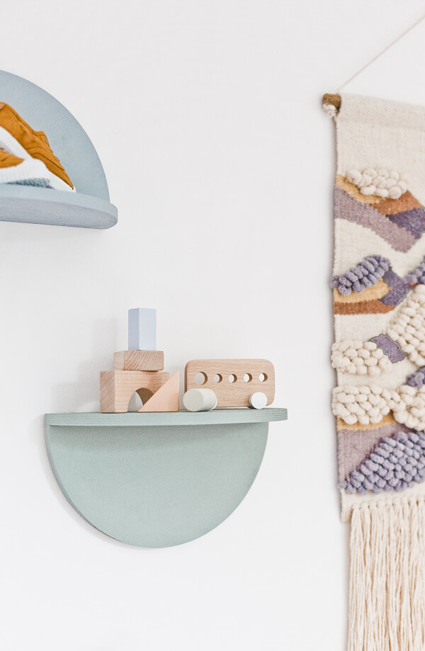 Adorable Half Circle DIY Shelves