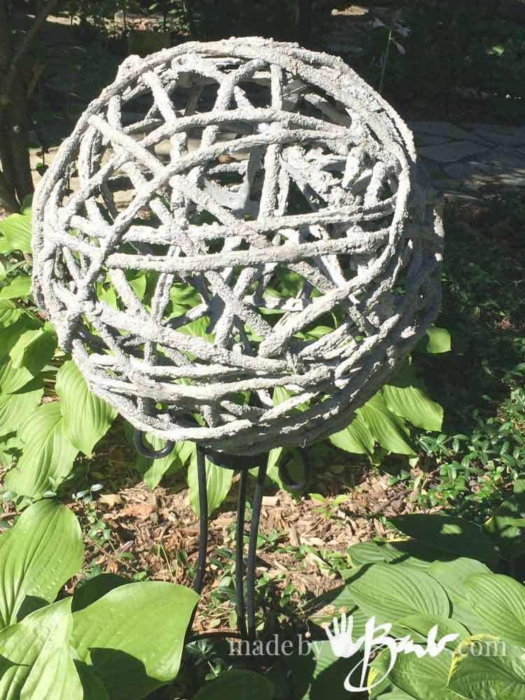 Trendy Concrete Garden Orb Décor