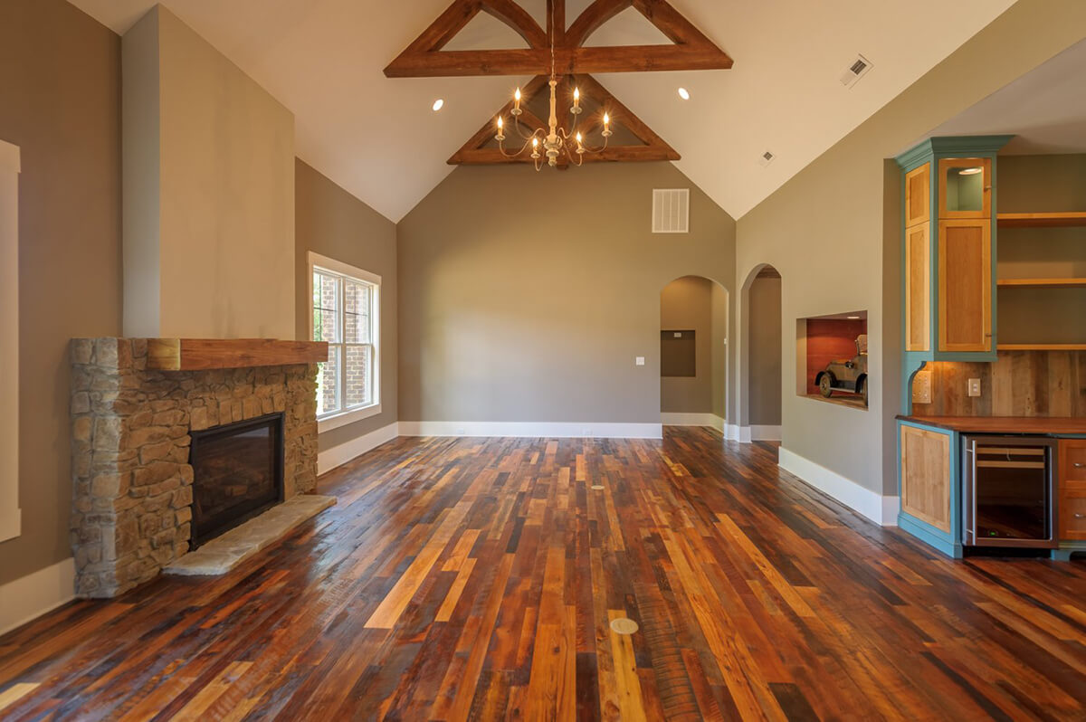 Mixed Reclaimed Hardwood Adds Depth to Room