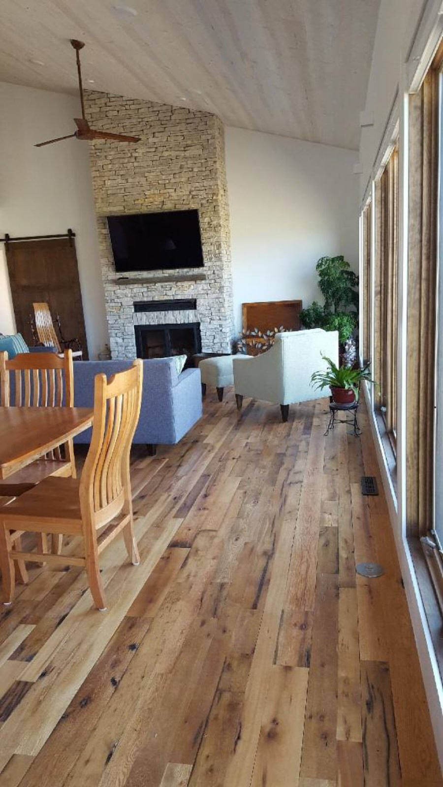 Reclaimed Tongue and Groove Flooring Adds Vintage Ambiance to Your Living Room