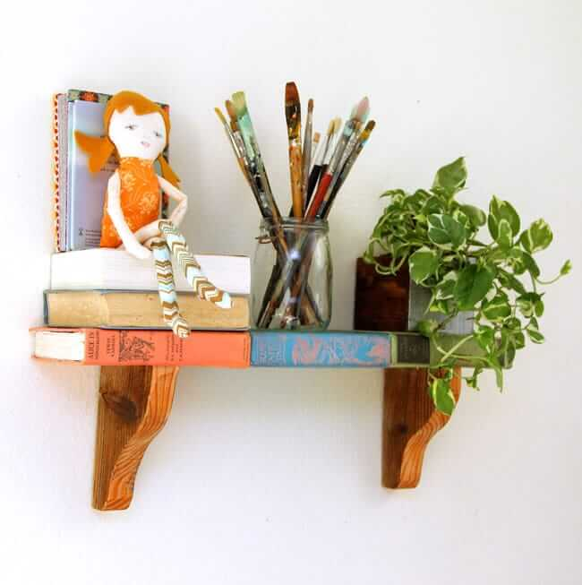 Fun and Relaxed Floating Book Shelves