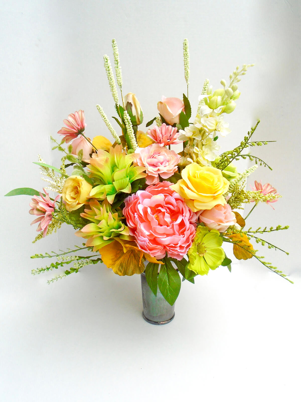 Eye-Catching Peach and Yellow Handmade Centerpiece