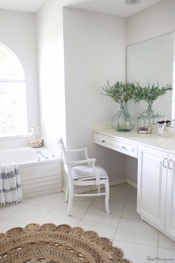 Make Your Bathroom Feel Bigger with White Floorin