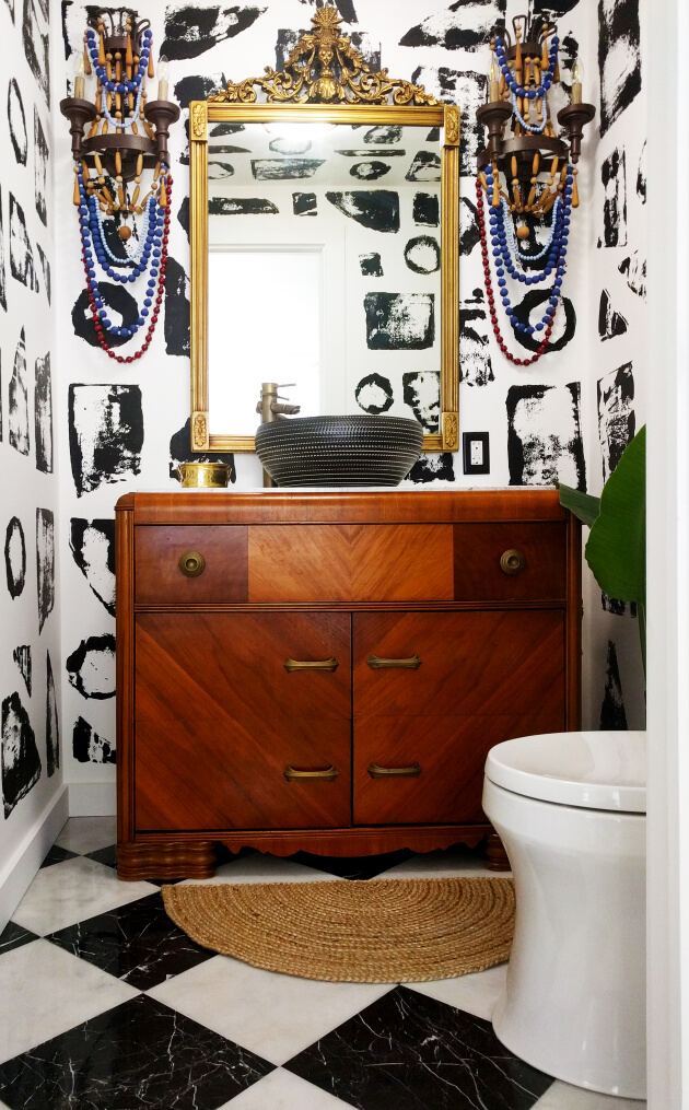 Trendy Black and White Bathroom Flooring Ideas