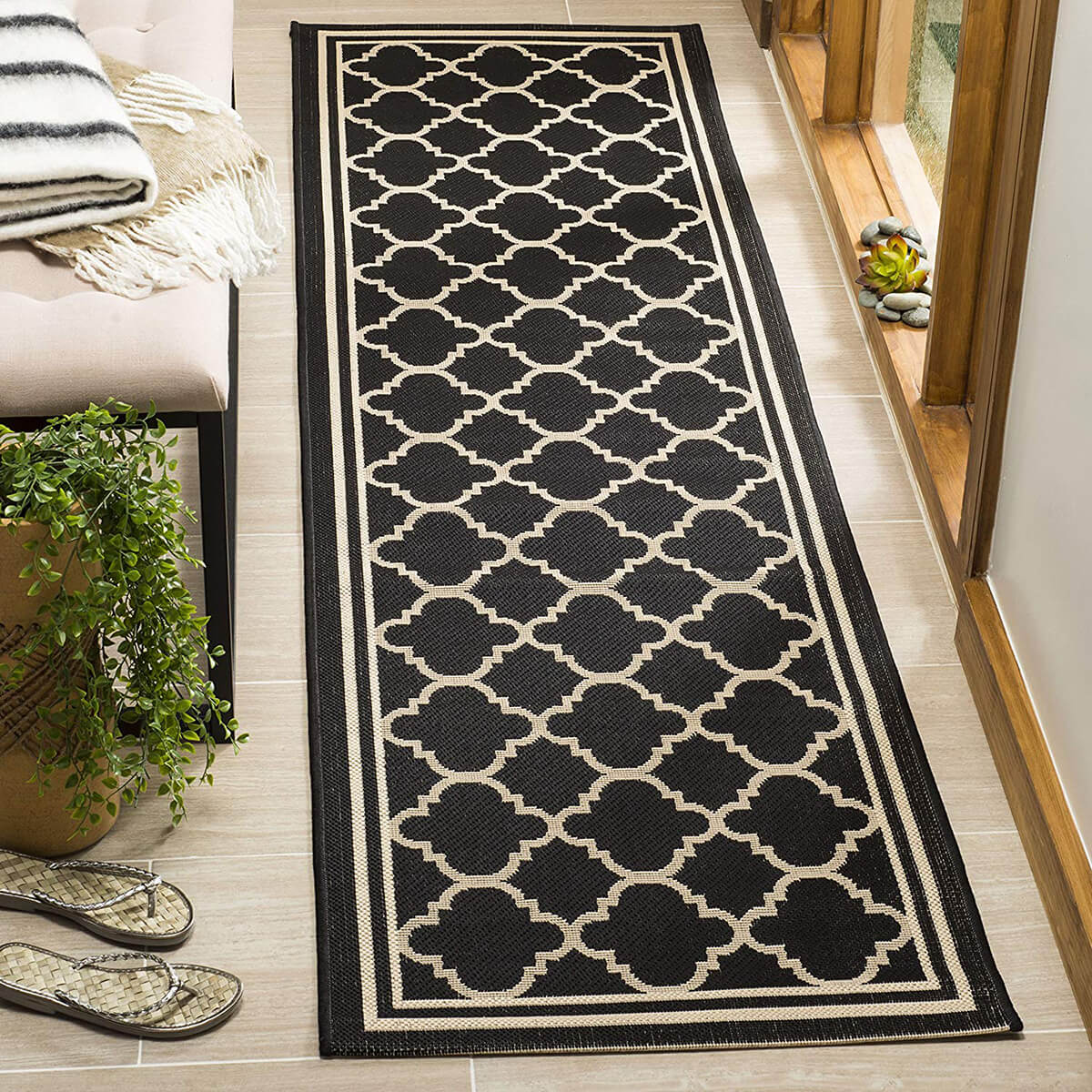 Classy and Classic Rug in Black and Ivory