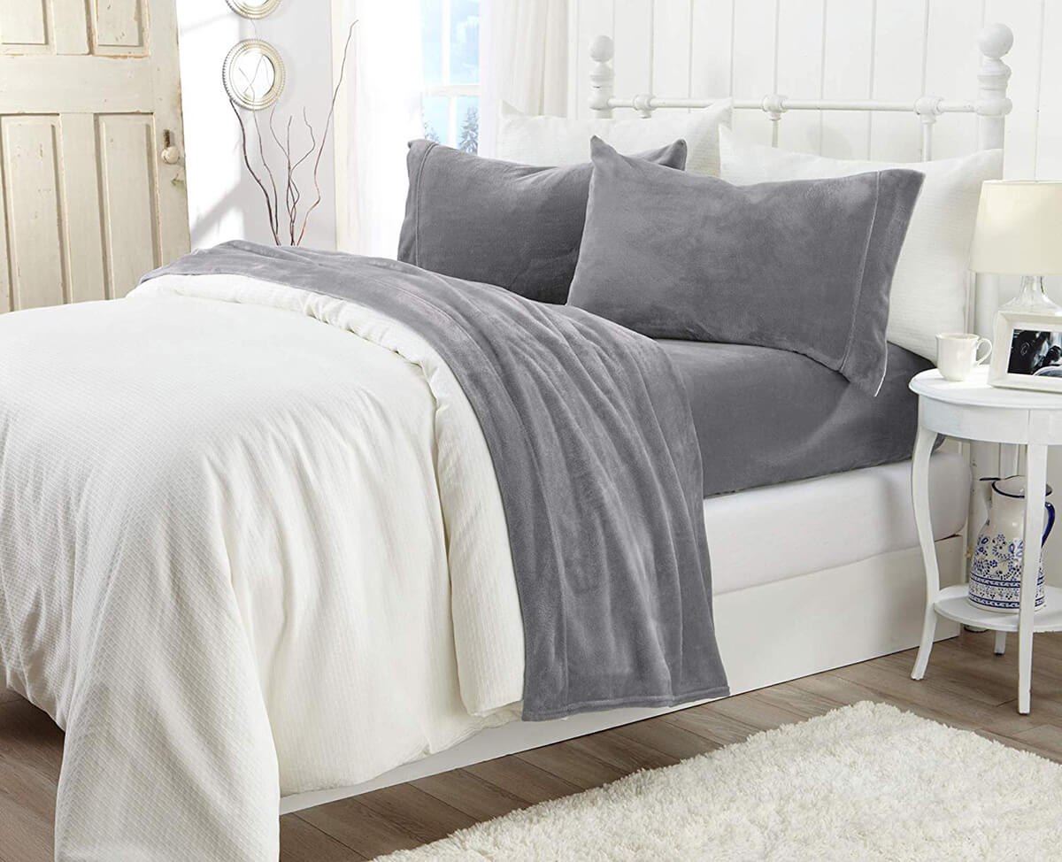 Extra Soft Cozy Velvet Plush Sheet Set