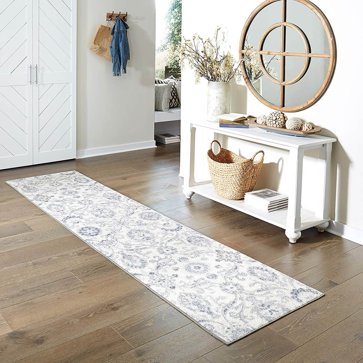 Blooming Damask Rug Immerses Guests