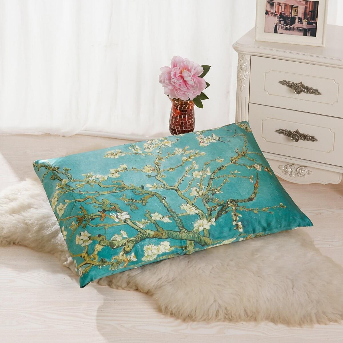 A Silk Pillow Case to Brighten Your Sleeping Space