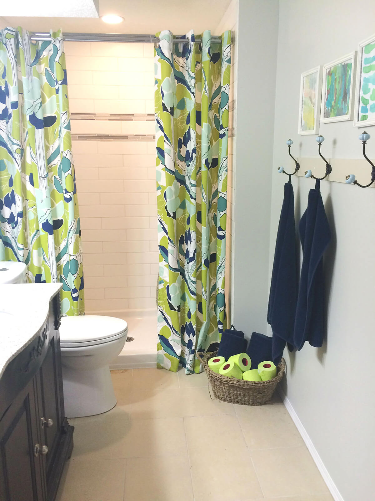 A Modern Bathroom Design with a Fun Pop of Color