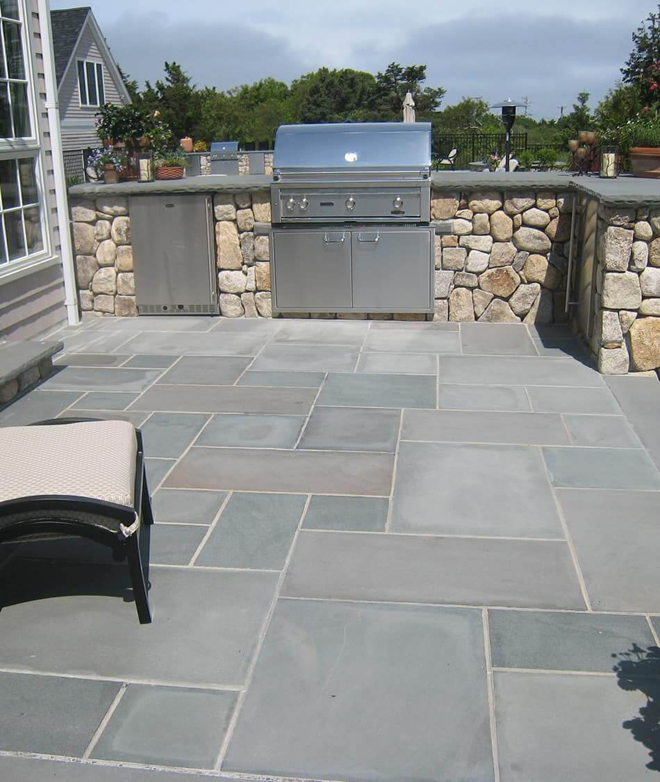 Gorgeous Outdoor Living Space with Pavers