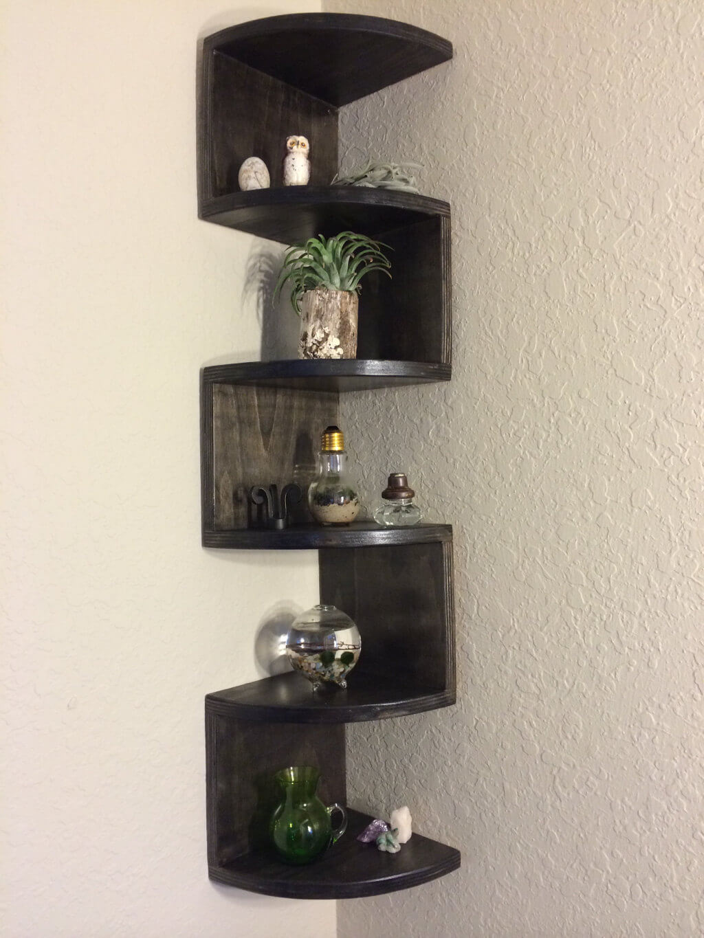Black Rounded Zig Zag Corner Shelf