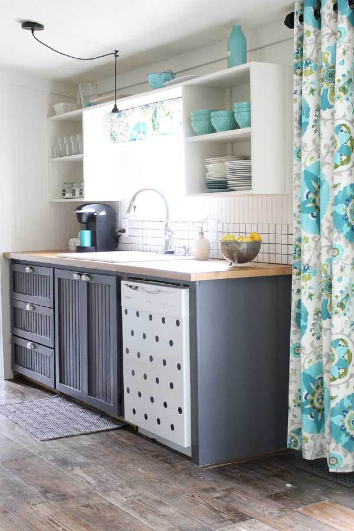 Farmhouse-Inspired Kitchen Floor Design Idea