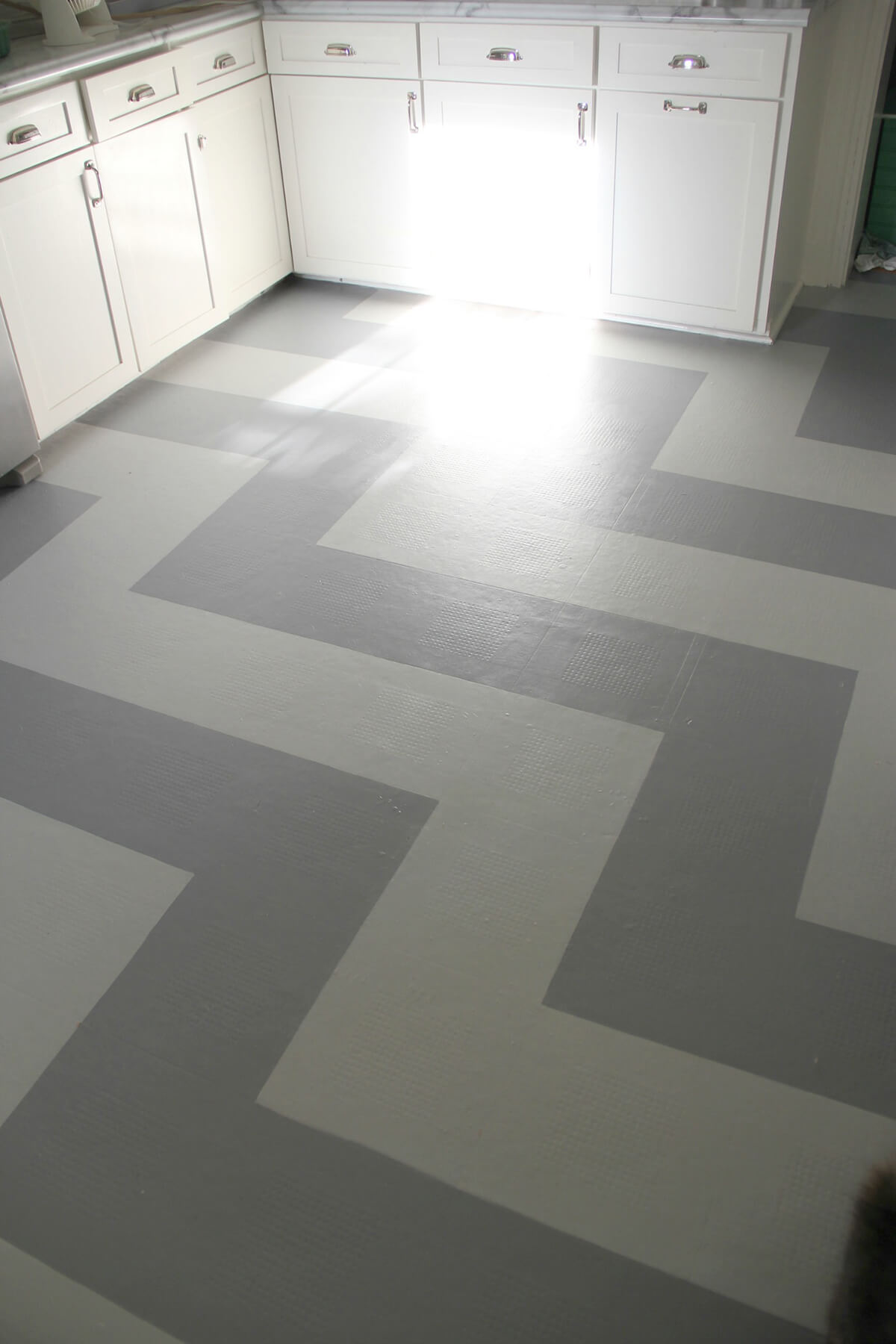 Hand painted Vinyl Kitchen Flooring Idea — Homebnc