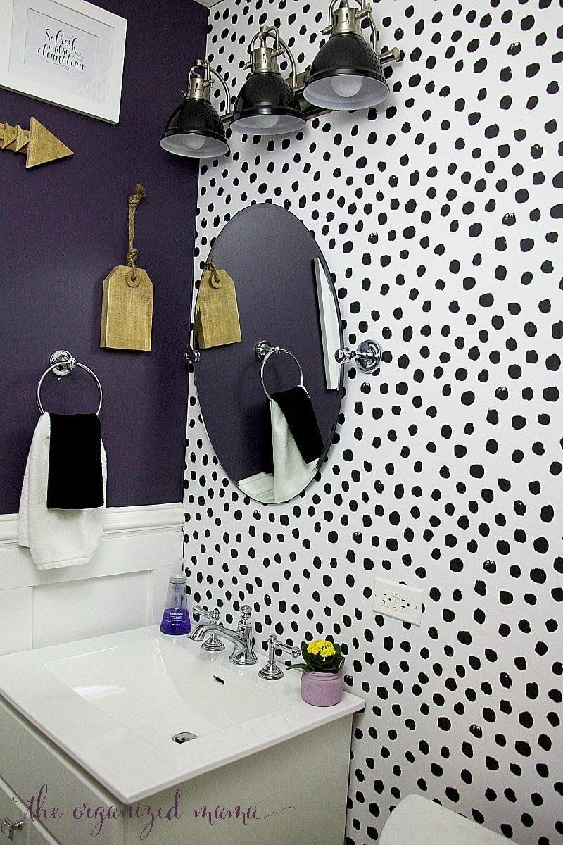 Statement Walls in Powder Rooms