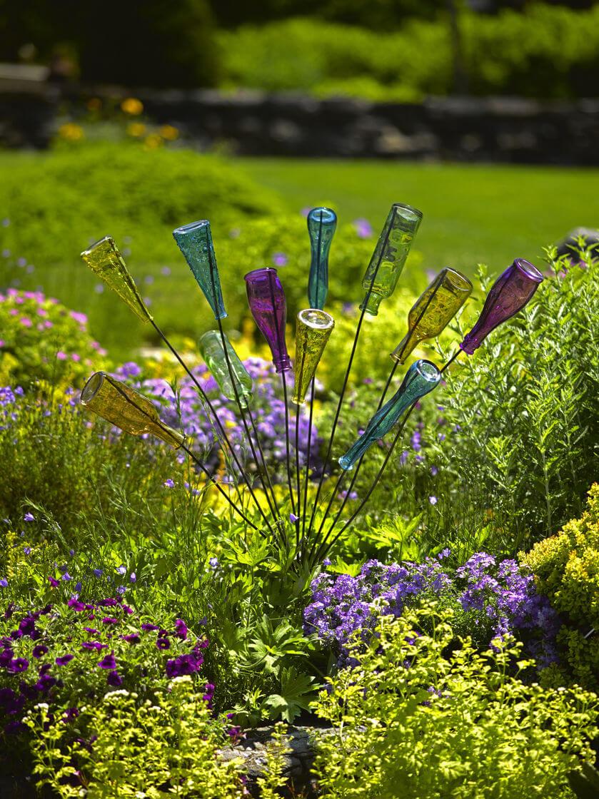 Creative Bottle Bush Yard Art