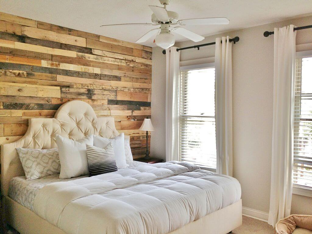 DIY Pallet Wall for the Master Bedroom