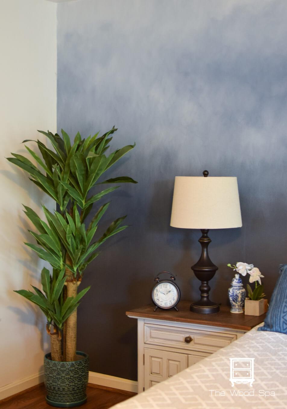 A Dreamy Ombre Bedroom Accent Wall Design Idea