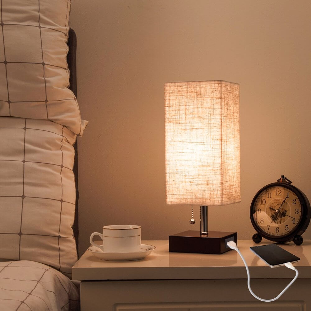 Phone Charging Table Lamp with Pull Cord