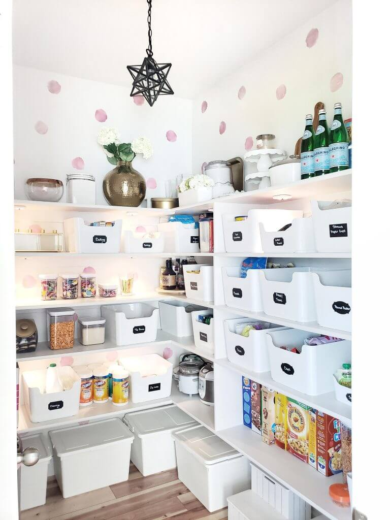 Cute and Organized Kitchen Pantry Ideas