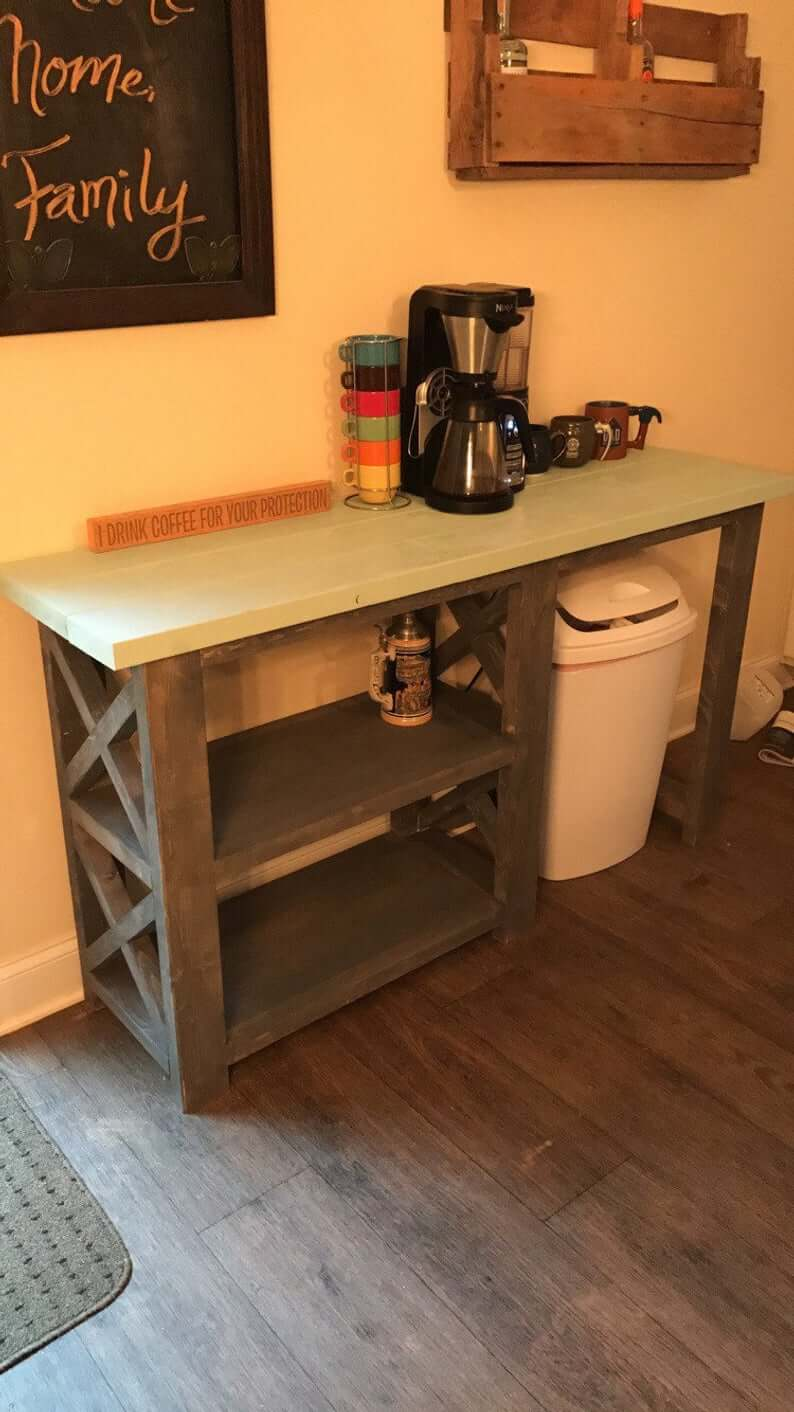Simple and Inviting Kitchen Coffee Table