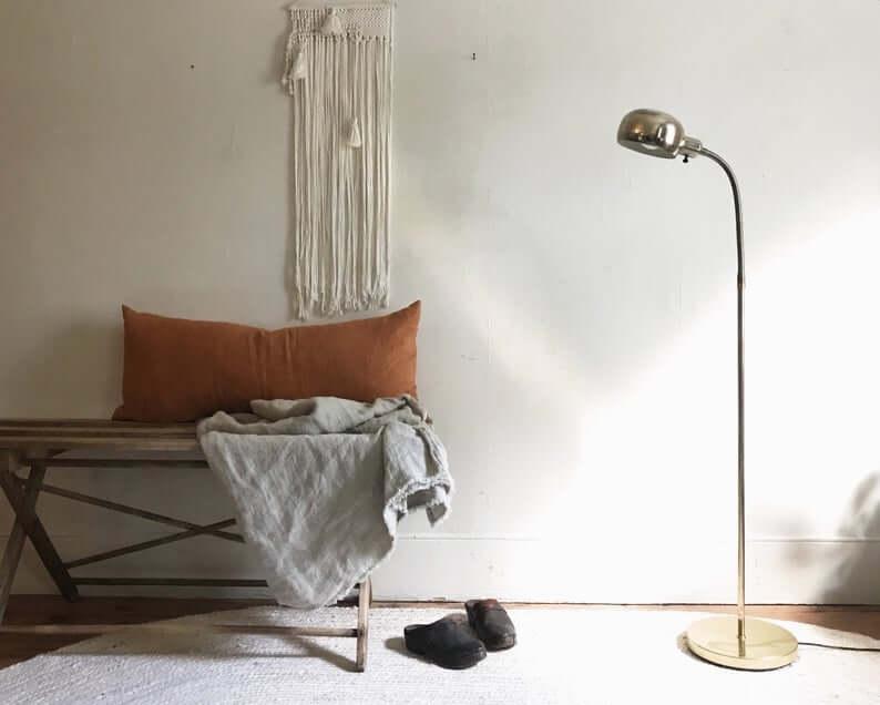Sleek Minimalist Metal Floor Lamp
