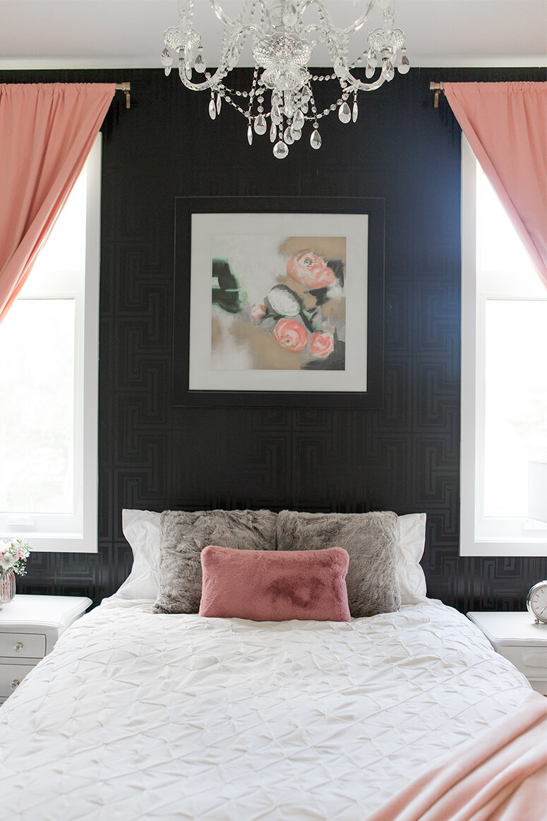 Elegant Rose and Black Bedroom Decoration Ideas