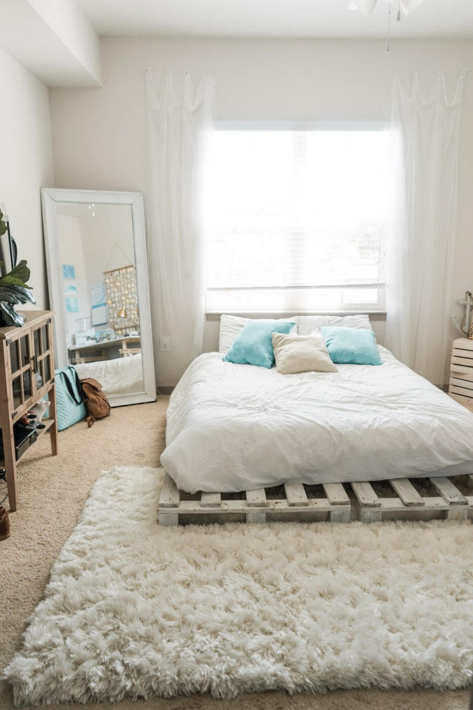 20 Best Diy Pallet Bed Frame Ideas To Update Your Bedroom In 2020