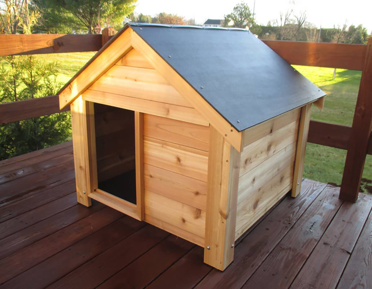 Beautiful Classic Cedar Wood Dog House
