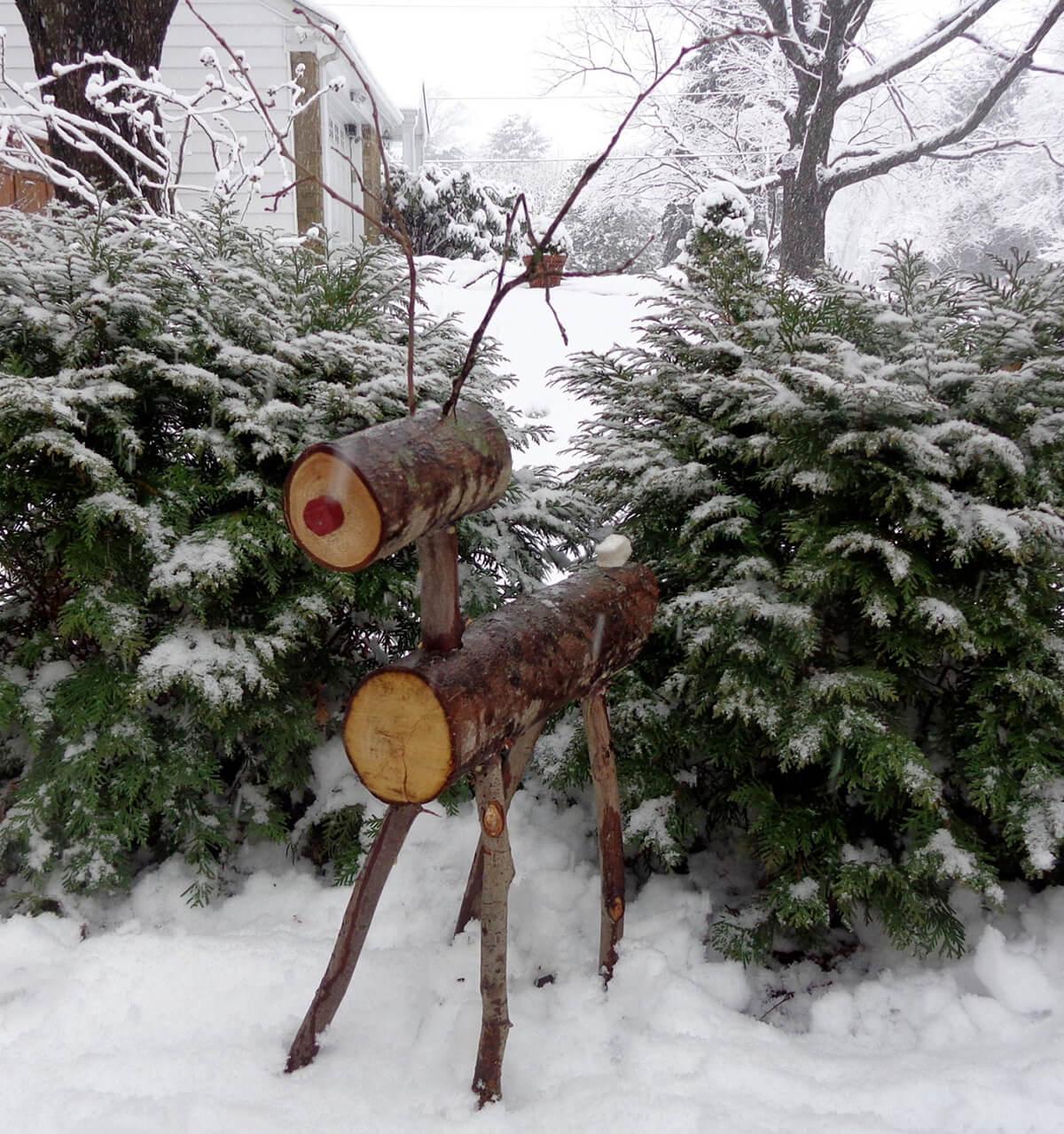 Marvelous Wooden Firewood Reindeer Christmas Decor