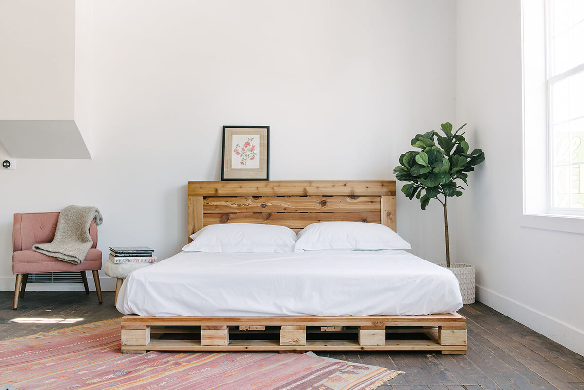 20 Best Diy Pallet Bed Frame Ideas To Update Your Bedroom In 2021