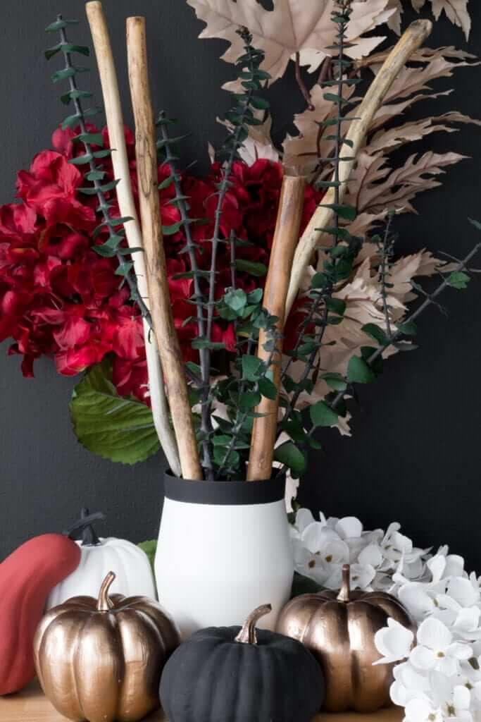 Using Tree Branches for a Beautiful Tabletop Decoration