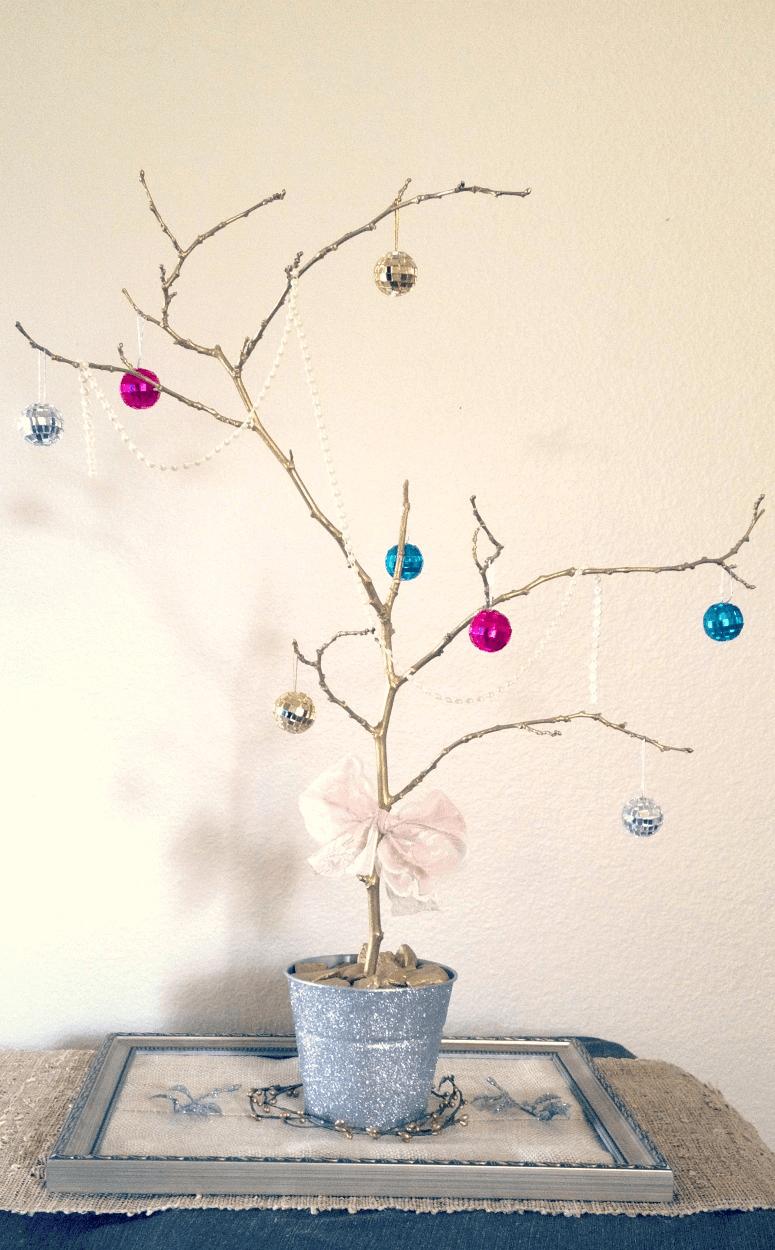 A Non-Traditional Christmas Tree Centerpiece Idea