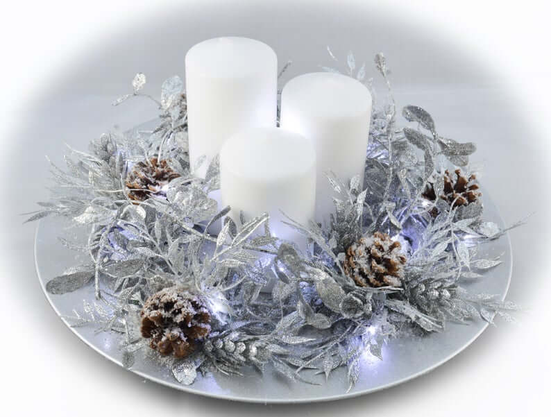 Glowing Wreath Plate and Pillar Candles
