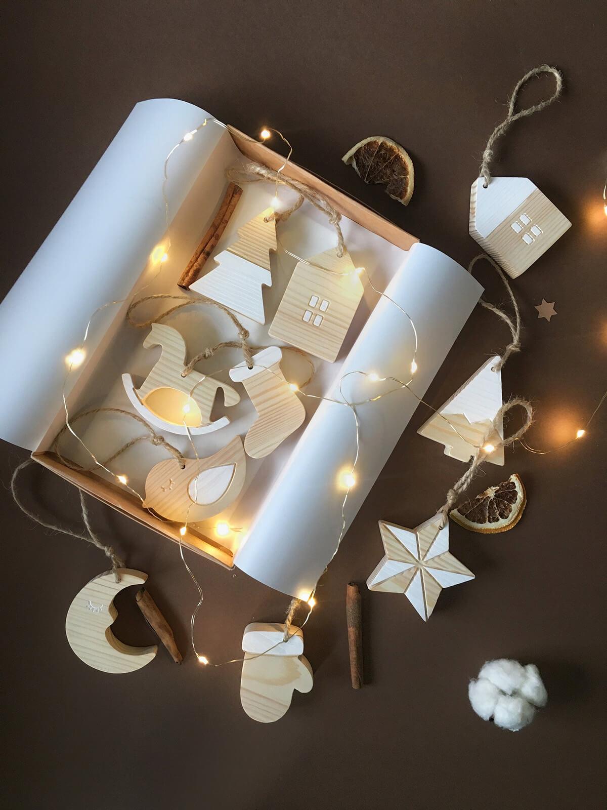 Pine Block Winter Motif Ornaments, Set of 10