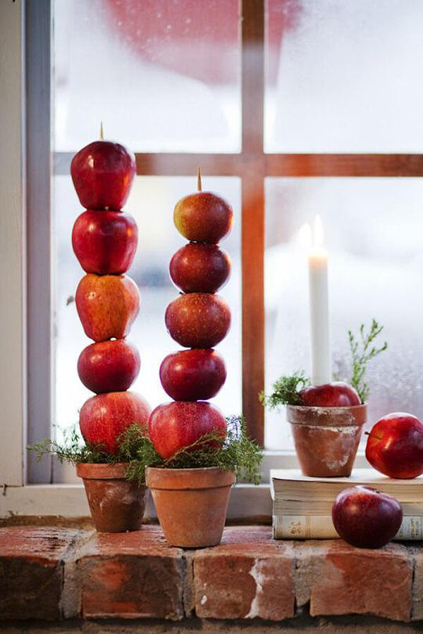 Snow White-Inspired Window Christmas Decor