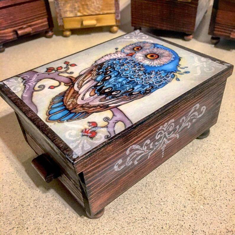 Majestic Owl Jewelry Chest with Mirror and Drawer