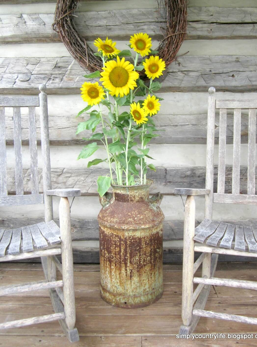 Beautiful and Rustic Sunflower Plant Holder
