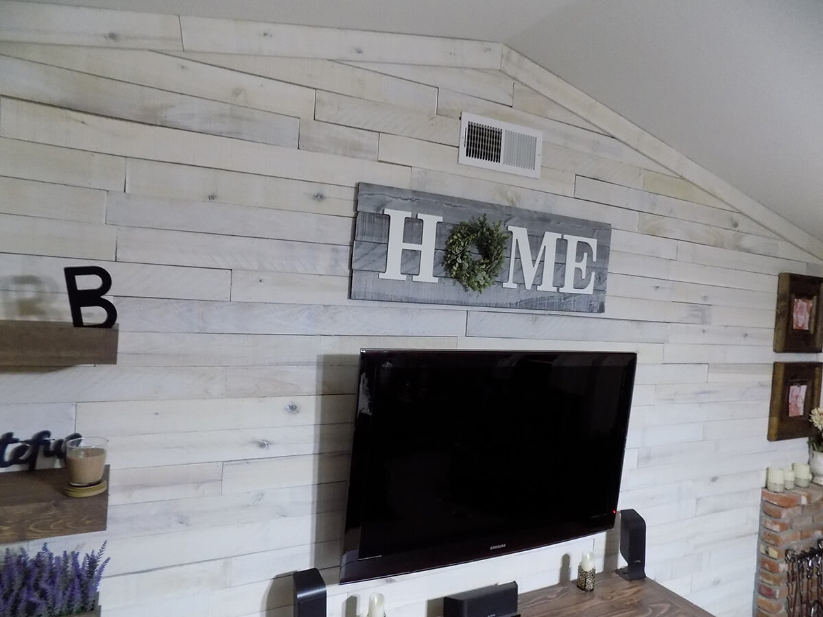 Indoor Wood and Wreath Home Sign