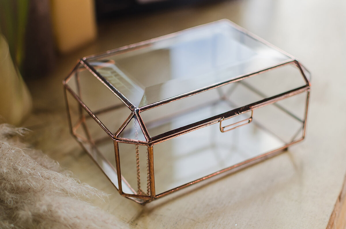 Sleek and Sophisticated Glass Jewelry Organizer with Personalization
