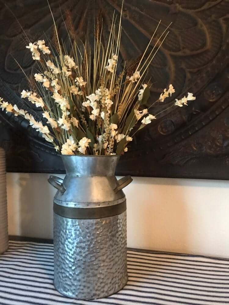 24 Best Rustic Farmhouse Milk Can Decorating Ideas In 2020