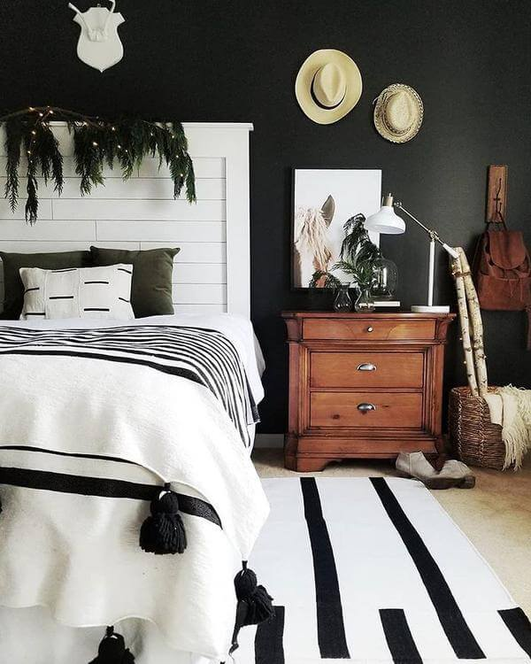 Stylish Bedroom Black and White Home Decor