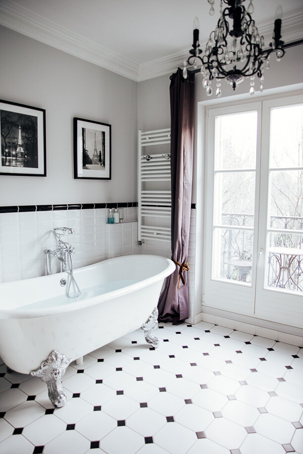 Perfect Patterned Clean Bathroom Decor